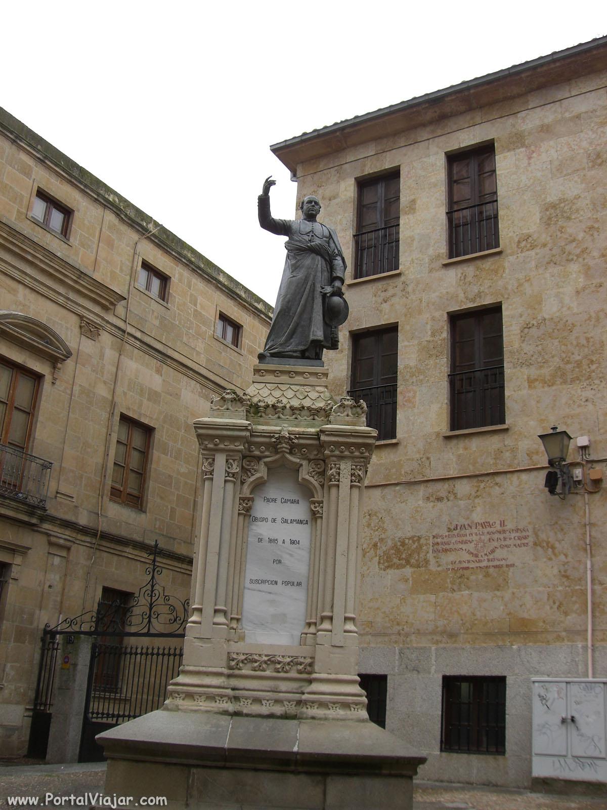 Monumento al Padre Cámara (Salamanca)