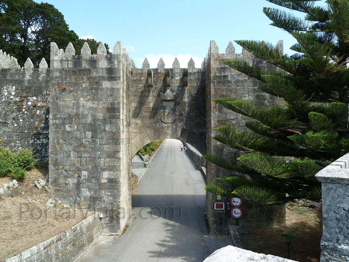 Puerta Principal / de Felipe IV (Fortaleza de Monterreal) (Baiona)
