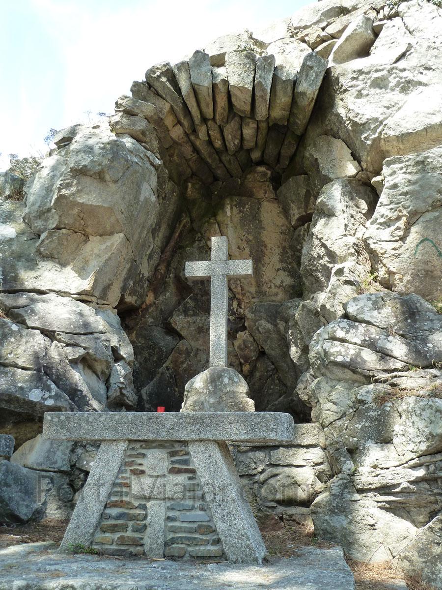 Virgen de la Roca (Baiona) - Crucero
