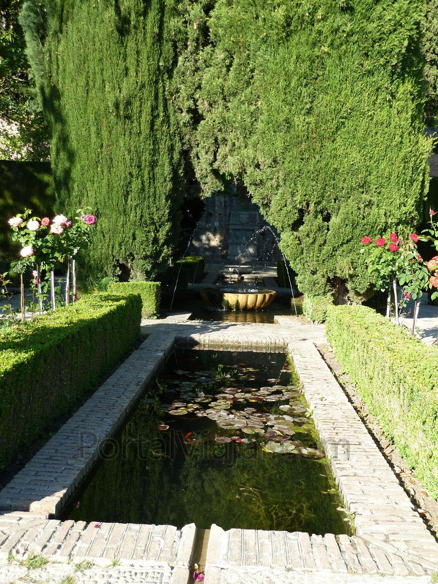 Granada 122 alhambra jardines del generalife portal for Jardines de gomerez granada