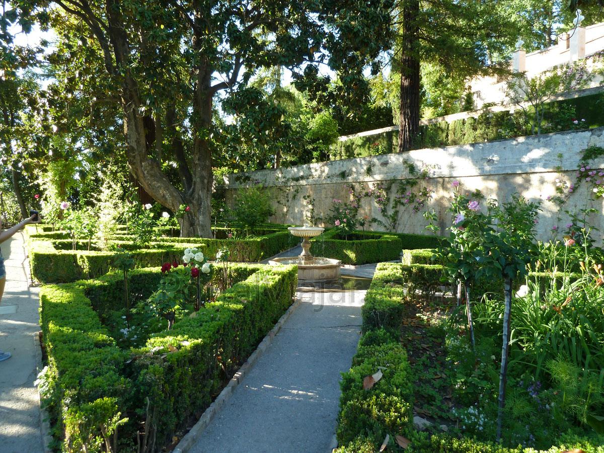 Granada 135 alhambra generalife portal viajar - Residencia los jardines granada ...