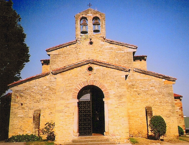 iglesia de san julian de los prados o santullano oviedo