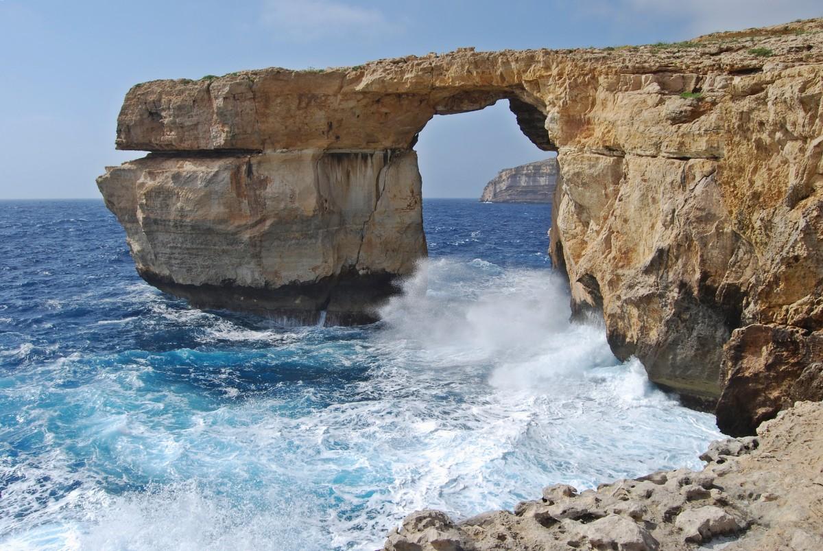malta - azzure window