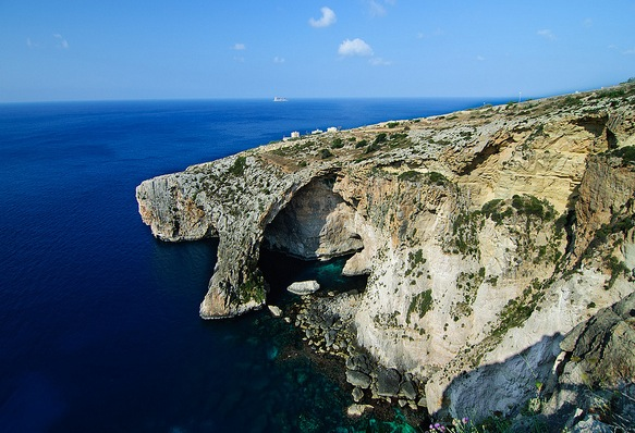 malta gruta azul