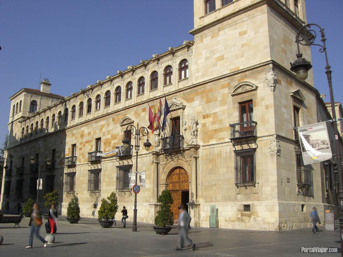 León (Castilla y León) - Palacio de los Guzmanes