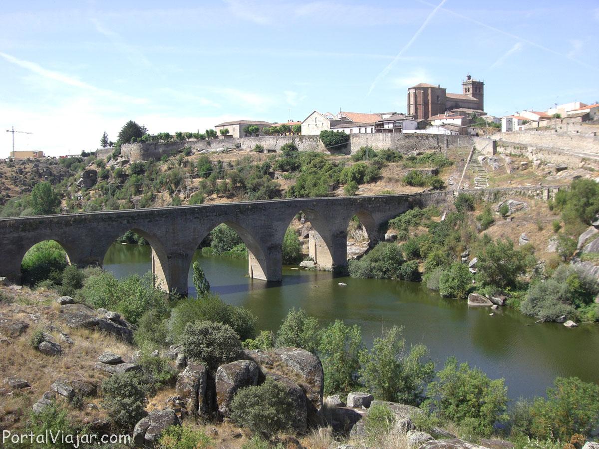 Puente Viejo (Ledesma)