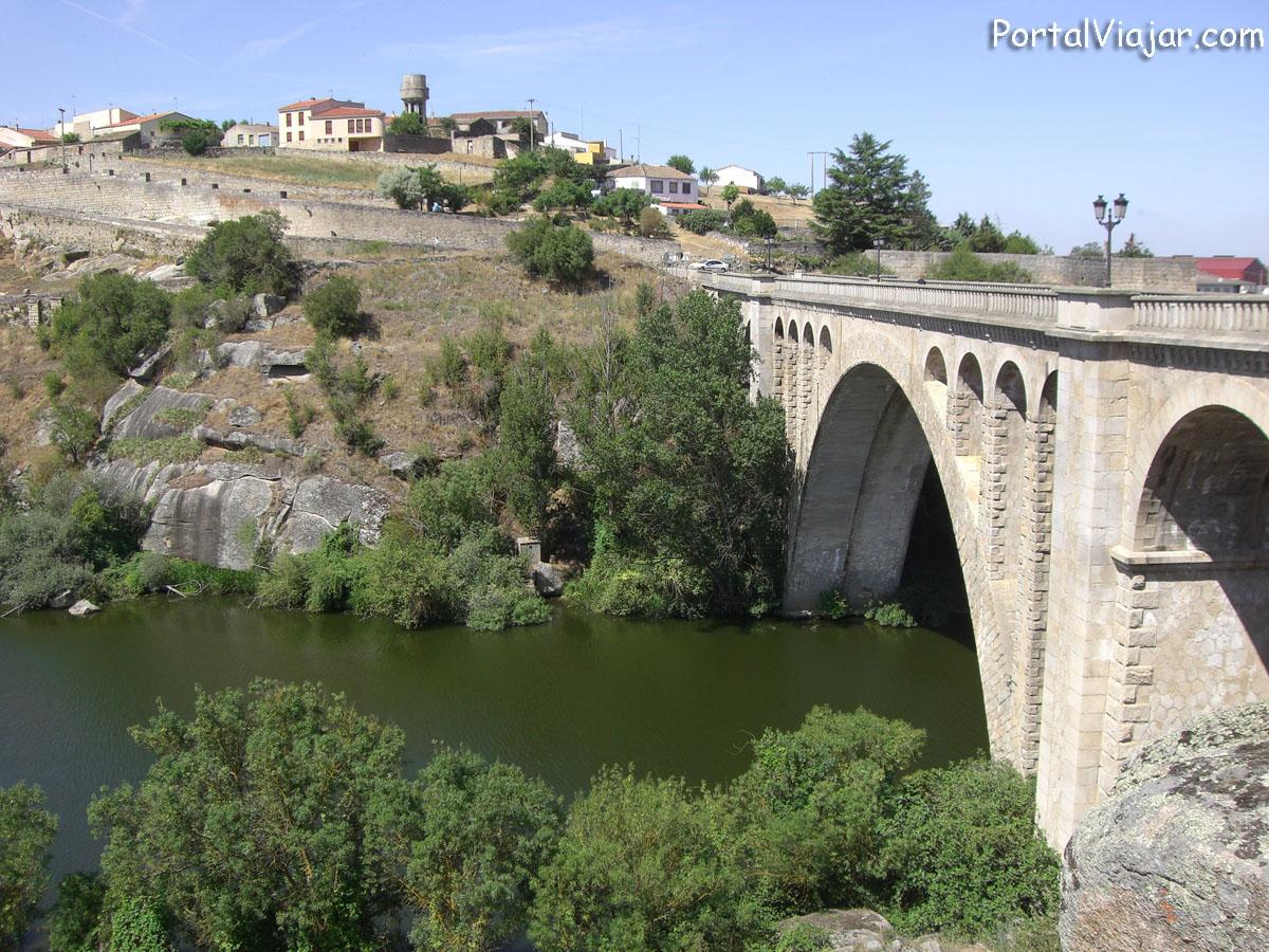 Ledesma - Villa y puente nuevo