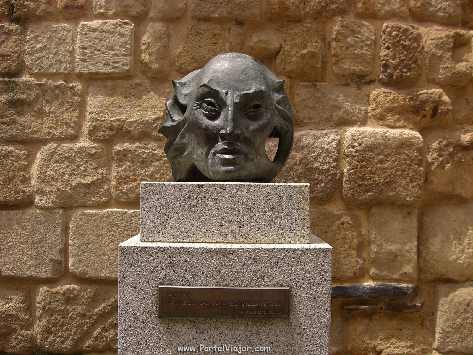 Monumento a Diego Torres Villaroel (Salamanca)
