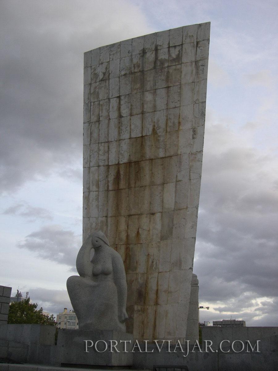Monumento Plaza de Castilla (Madrid)