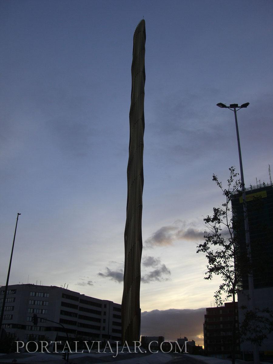 Obelisco Plaza de Castilla (Madrid)