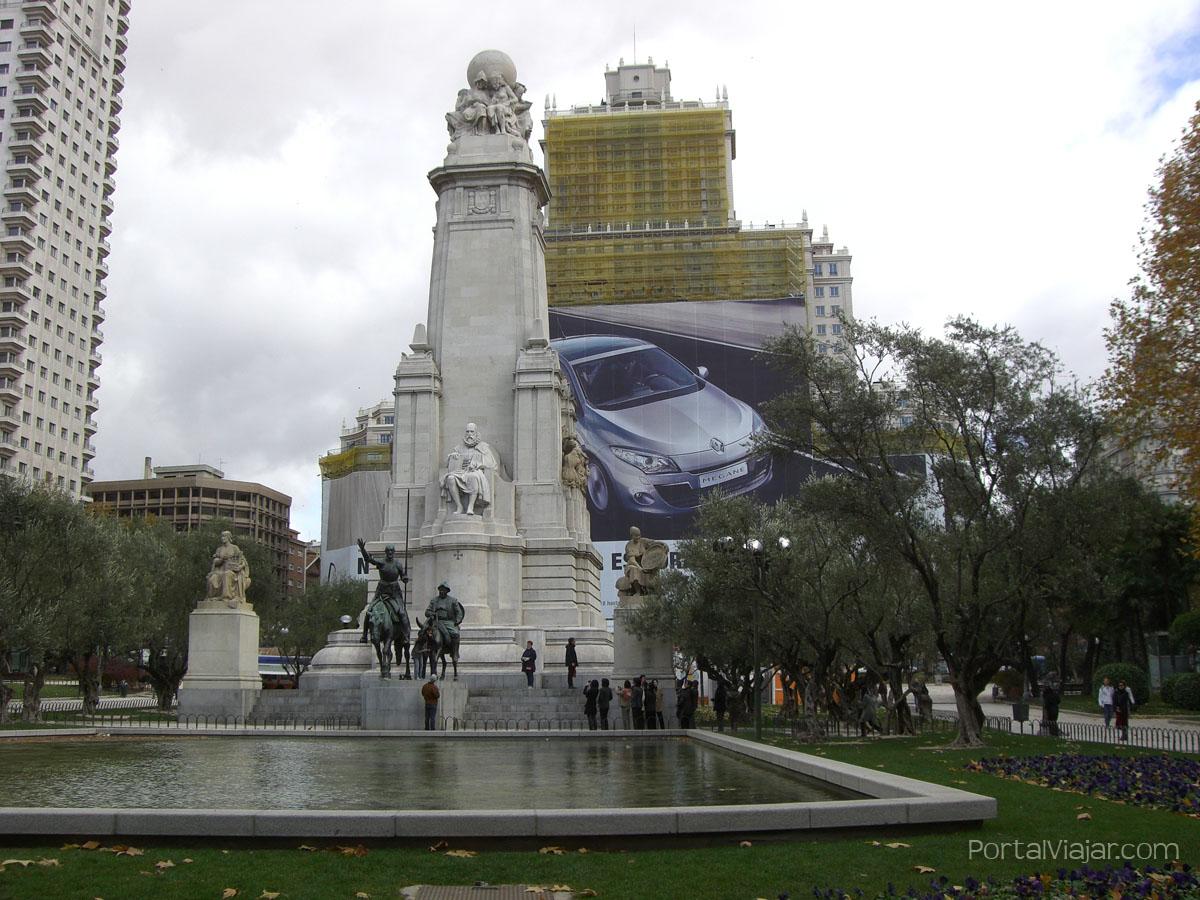 Monumento a Cervantes y a El Quijote (Madrid)