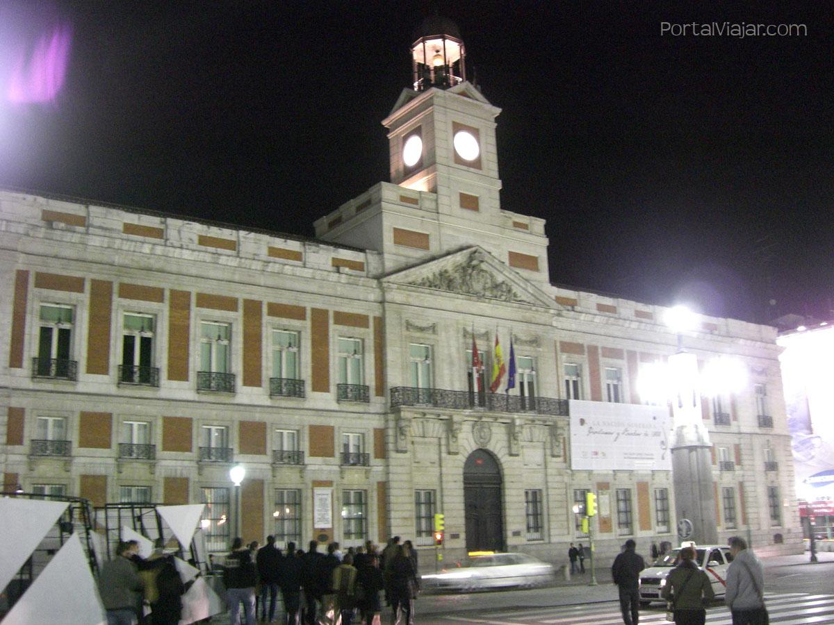 Casa de Correos de noche (Madrid)