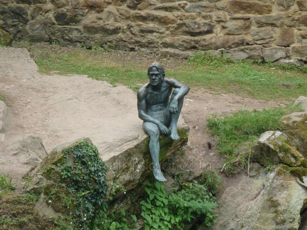 Liérganes - Monumento al Hombre Pez