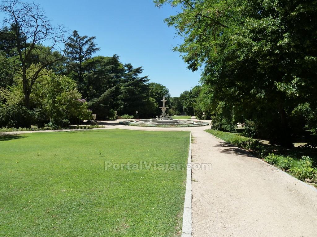 Parque jardines del campo del moro madrid portal viajar for Jardines de campo