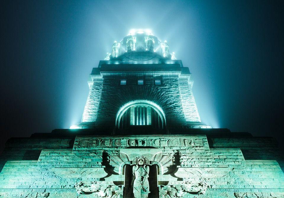 Völkerschlachtdenkmal Monumento a la Batalla de las Naciones (Leipzig) de noche