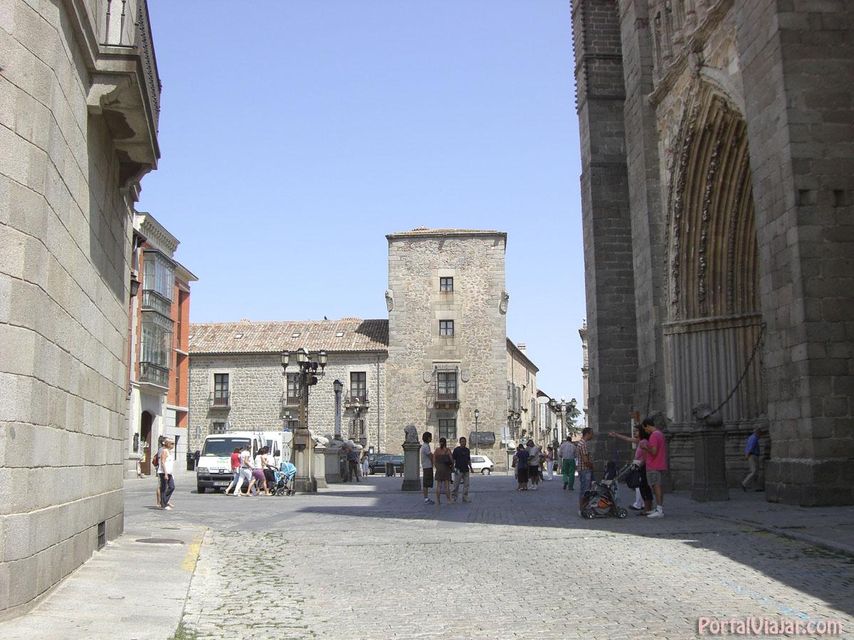 Plaza de la Catedral - Mansión de los Velada (Ávila)
