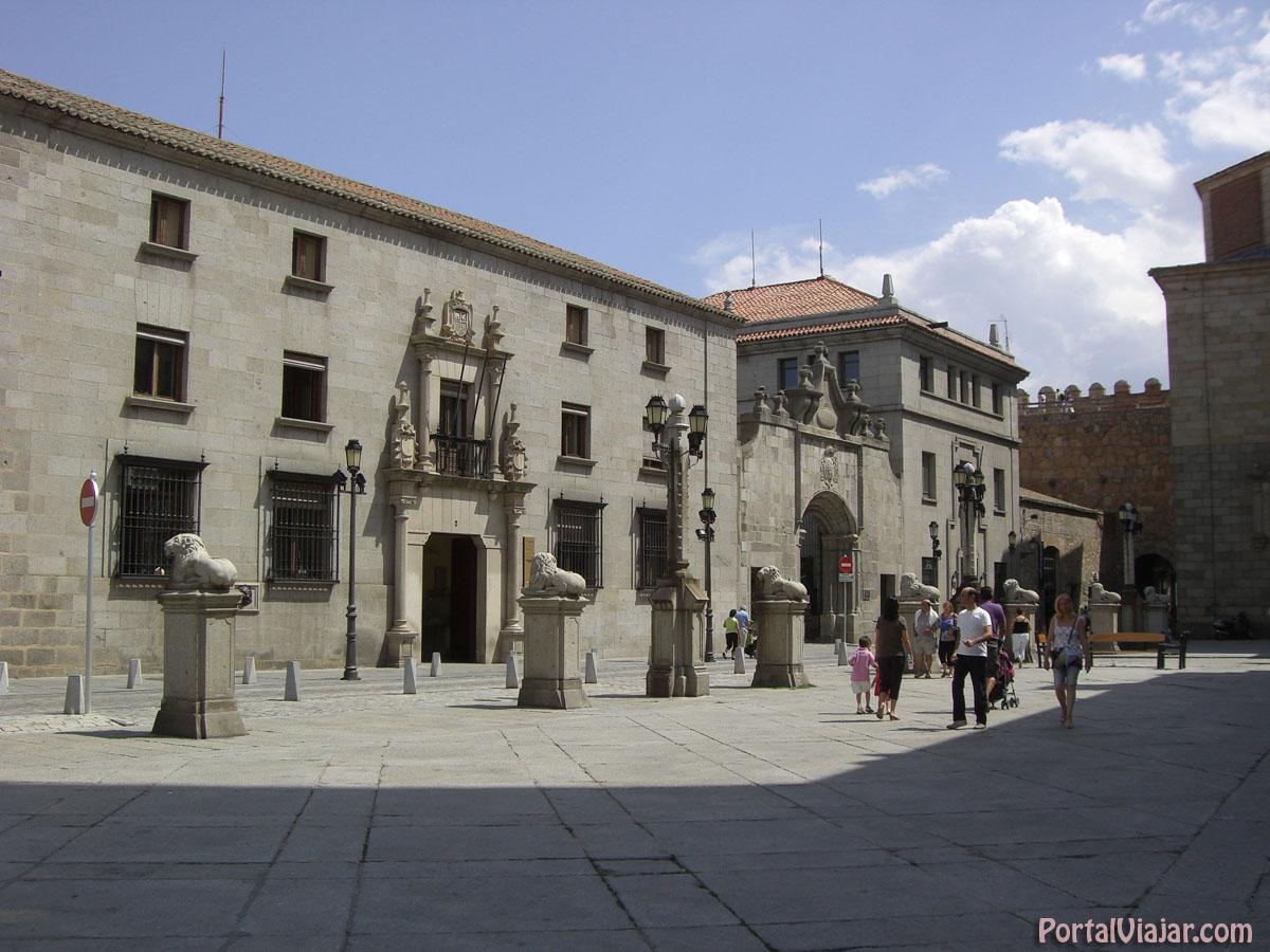 Palacio del Rey Niño - Biblioteca Pública (Ávila)