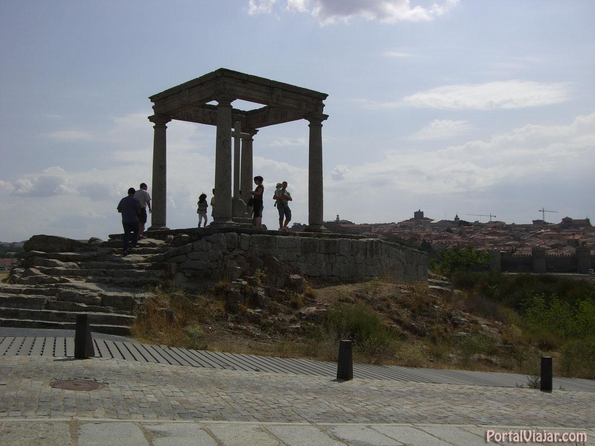 Los Cuatro Postes (Ávila)