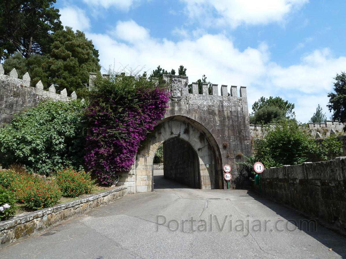 Puerta Real - Fortaleza de Monterreal (Baiona)