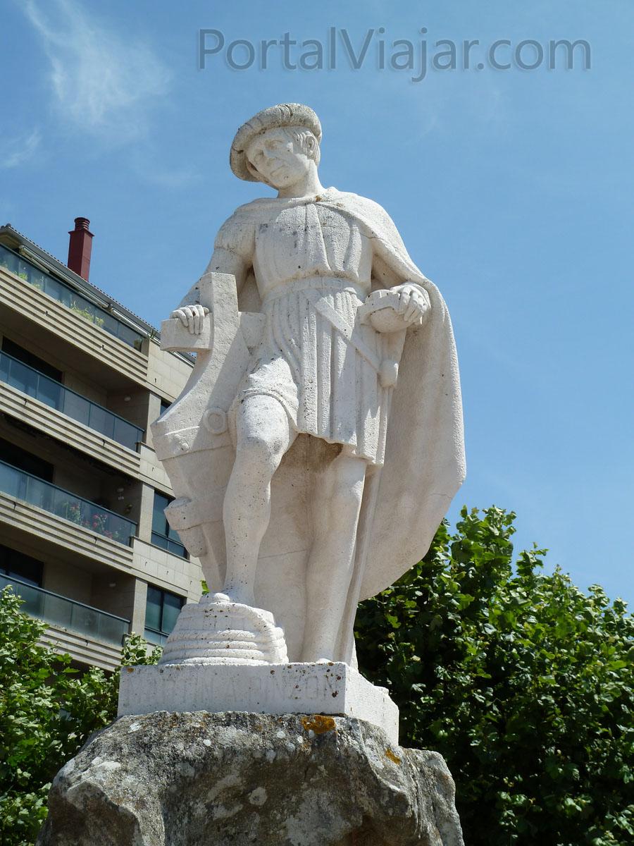 Estatua de Pinzón (Baiona)