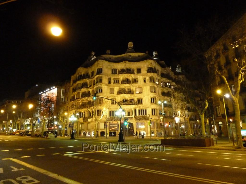 barcelona pedrera casa mila 1