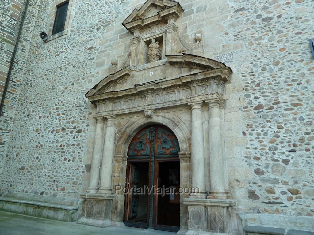 Basílica de Nuestra Señora de la Encina (ponferrada) - Entrada