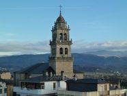 Basílica de Nuestra Señora de la Encina (Ponferrada) - Campanario (vista desde el Castillo de los Templarios)