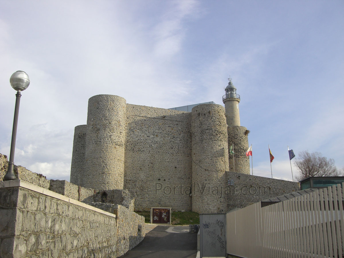 Castillo y faro (Castro Urdiales)