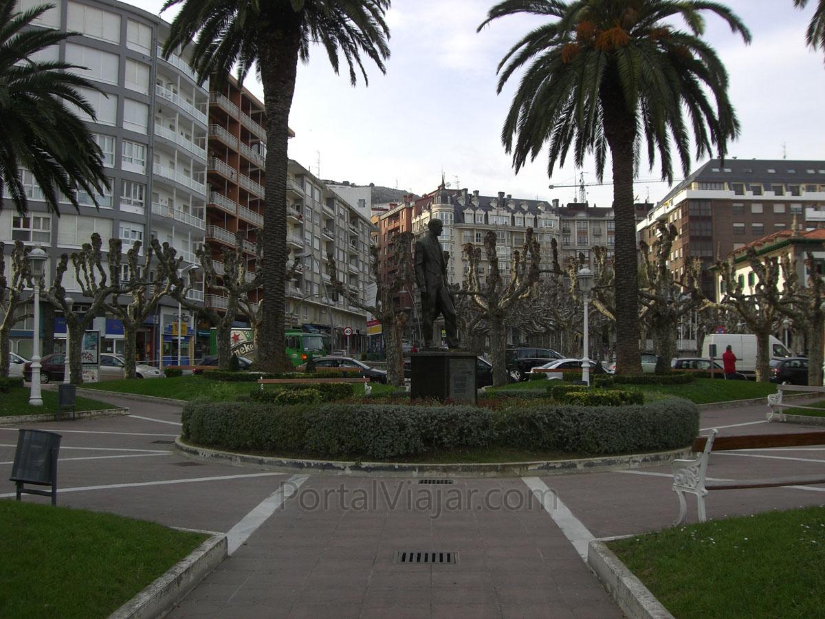 Monumento a Ataúlfo Argenta (Castro Urdiales)