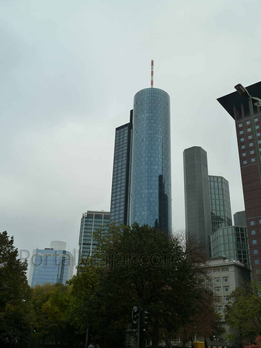 frankfurt 139 - main tower