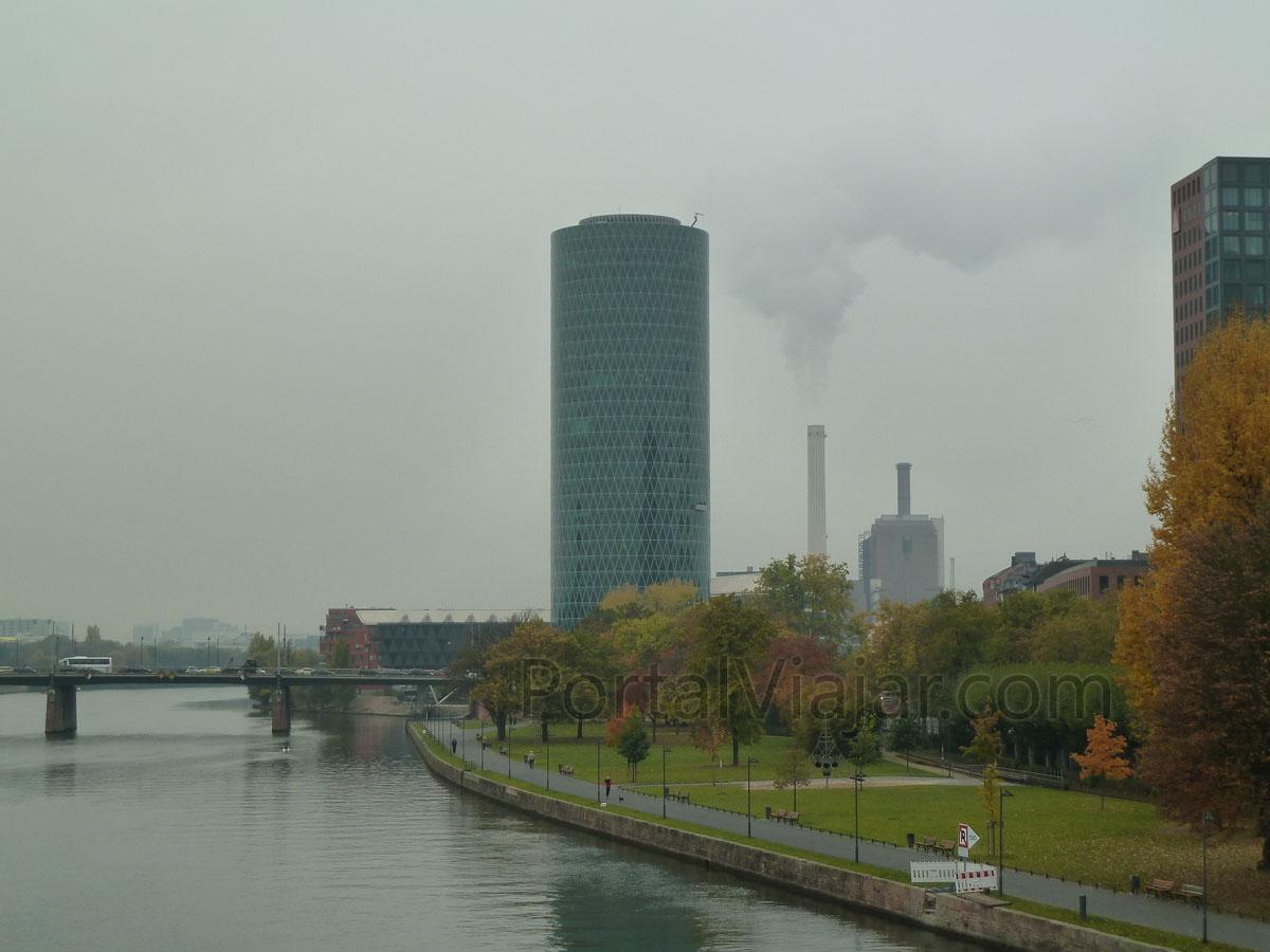frankfurt 20 - torre westhafen