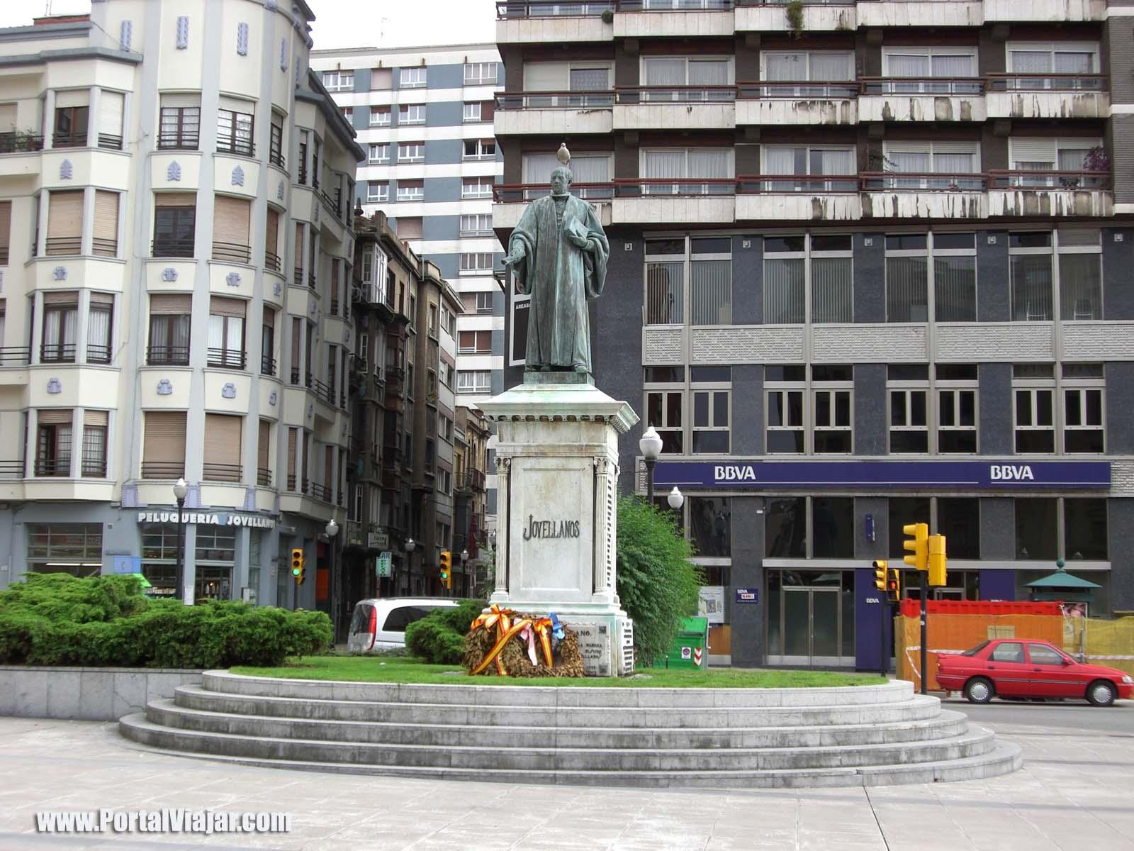 gijon 28 - monumento a jovellanos