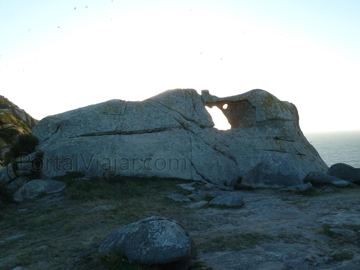 islas cies 57 - ruta del faro de cies - pedra da campa