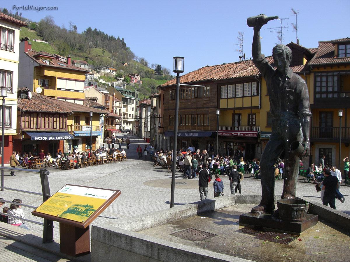 Plaza de San Juan Mieres (Mieres)