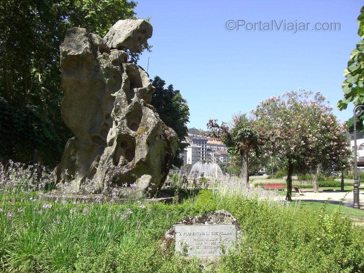 Alameda / Monumento a Florentino I. Cuevillas