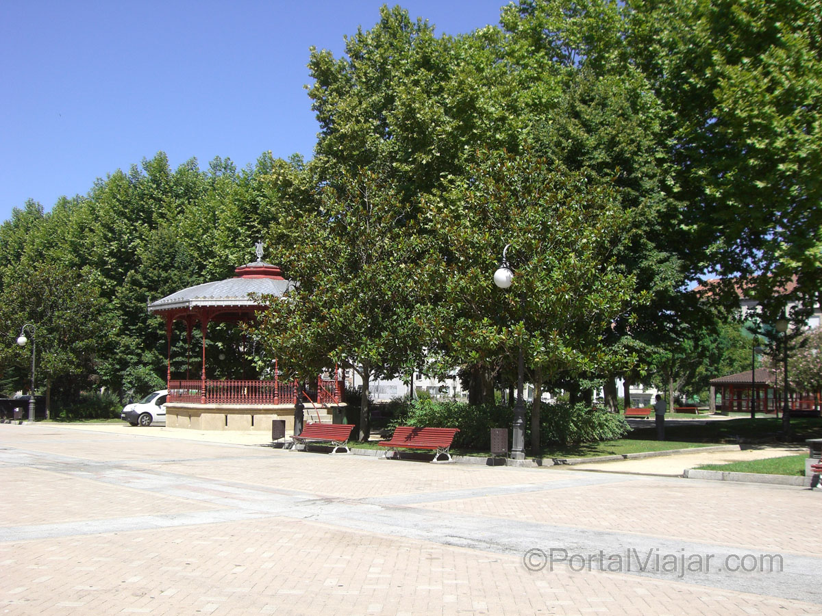 Alameda y Kiosko (Ourense)