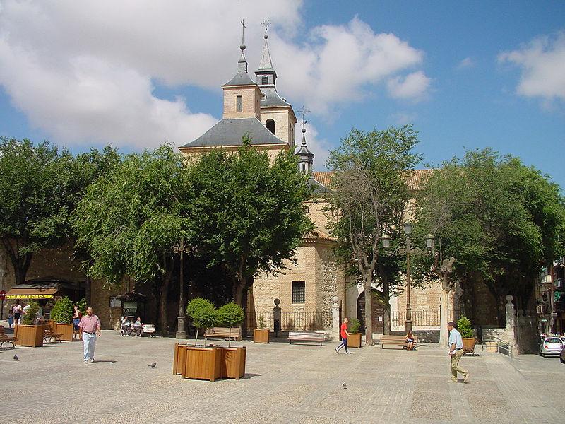 plaza de la constitucion arganda del rey