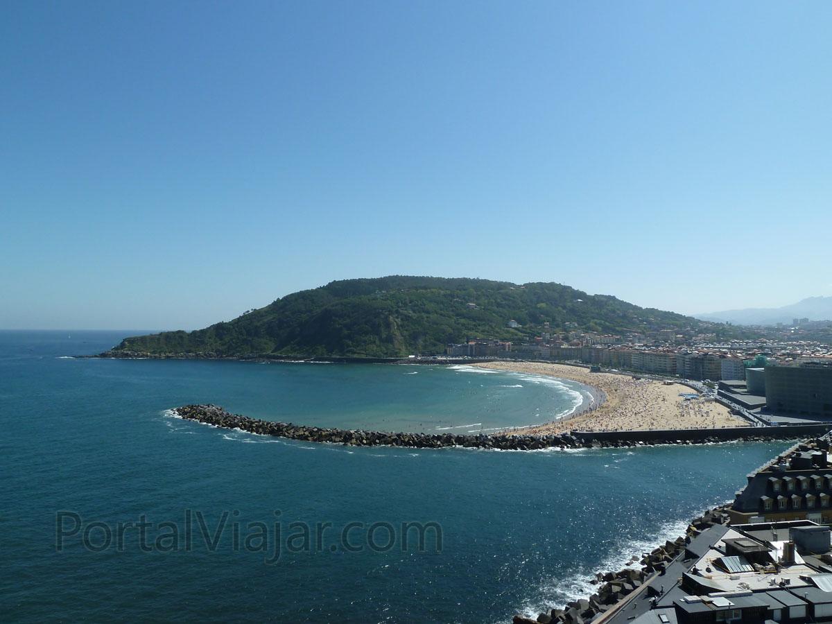 san sebastian playa de zurriola monte ulia mendia
