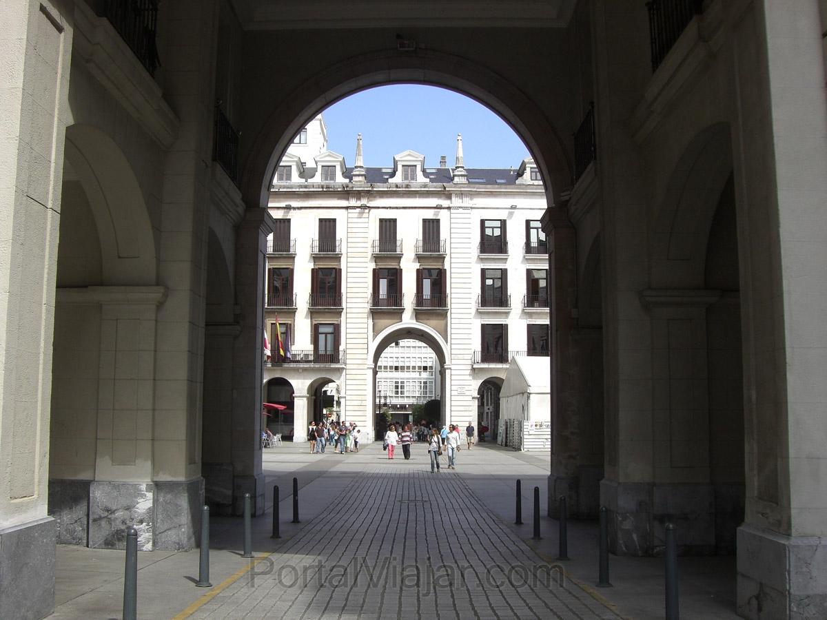 Santander - Plaza Porticada - Entrada