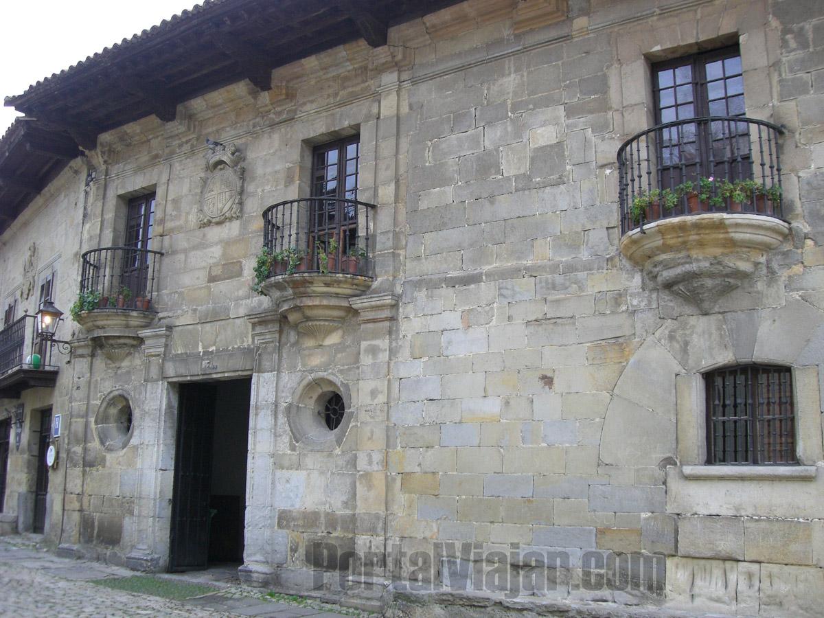 Casa de los Villa (Santillana del Mar)