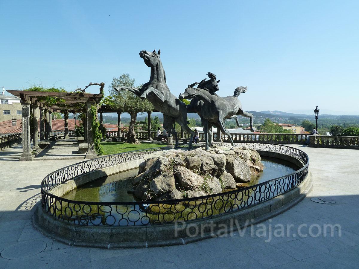 Monumento al Caballo Salvaje (Tui)