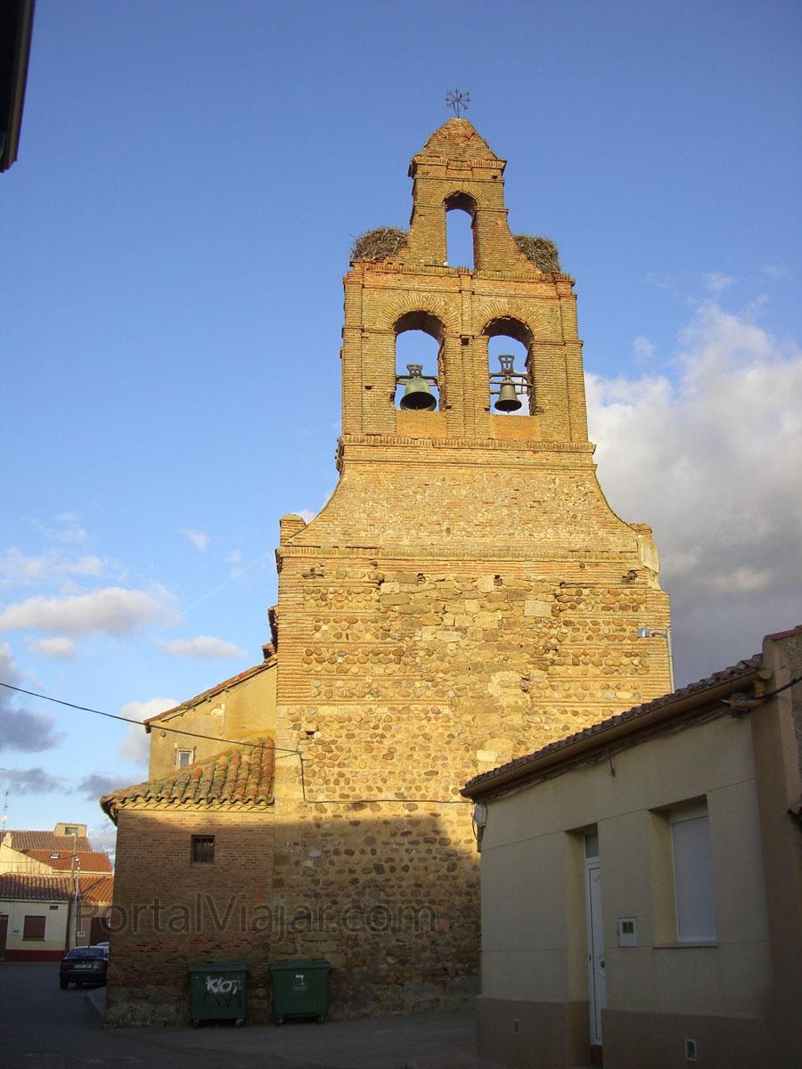 Iglesia de San Pedro - Espadaña (Villalpando)
