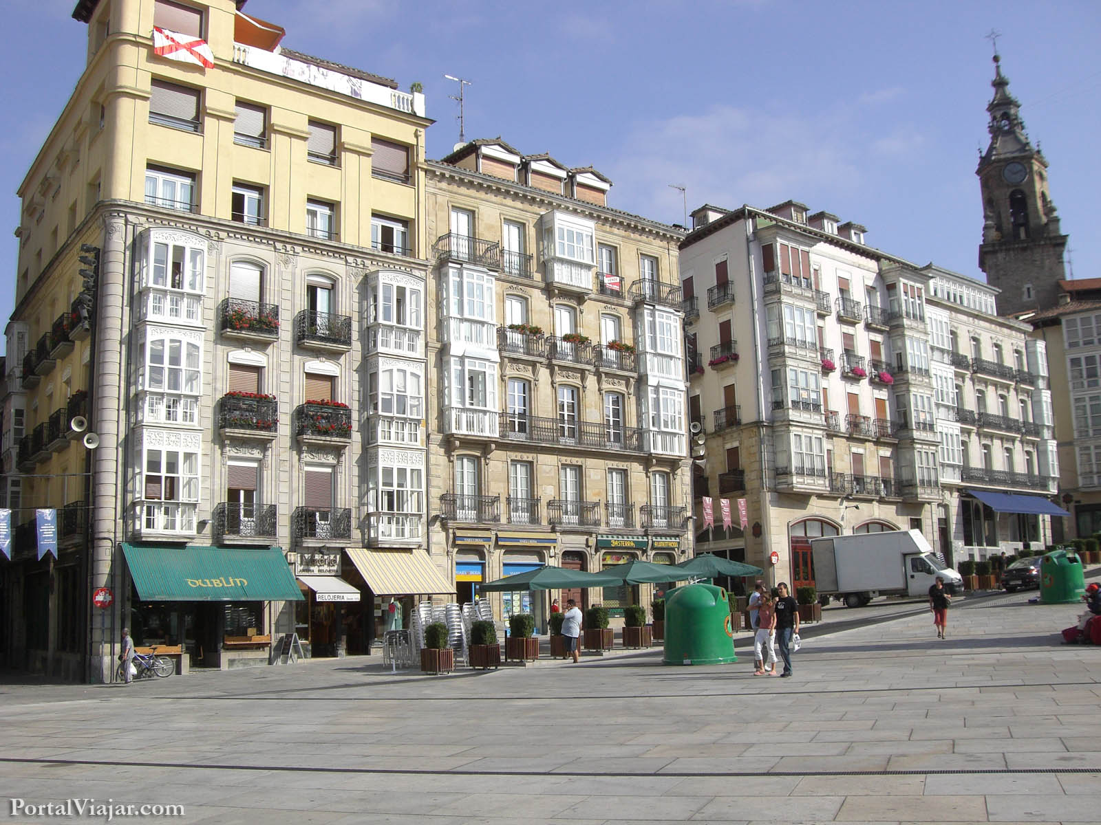 vitoria - plaza de la virgen blanca - fachadas